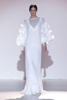 Juana Martín #azahar #pasarelagaudí2014 Nontraditional Wedding, Wedding Dress Accessories, Wedding Wishes, Bridal, I Dress, Dress Patterns, Marie, Wedding Planner, Wedding Gowns