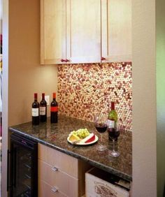 6 Interesting DIY Wine Cork Projects-consider cork wall for living room cabinet space-this would be cool as a backsplash for the bar. Kitchen Backsplash, Diy Kitchen, Kitchen Design, Backsplash Ideas, Backsplash Design, Eclectic Kitchen, Hexagon Backsplash, Penny Backsplash, Mirror Backsplash