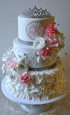 Sweet 16 Cake, pastel para quince o 16 Gorgeous Cakes, Pretty Cakes, Cute Cakes, Amazing Cakes, 16 Birthday Cake, Sweet 16 Birthday, 16th Birthday Cake For Girls, Princess Birthday, Princess Wedding