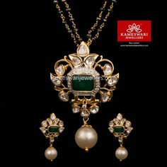 Source by nivedithadaram Jewelry Jewelry Design Earrings, Gold Earrings Designs, Gold Jewellery Design, Pearl Jewelry, Pendant Jewelry, Antic Jewellery, Sapphire Jewelry, Temple Jewellery, Necklace Designs