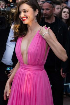 Miranda Kerr - Most Beautiful Girls Emily Ratajkowski Style, Miranda Kerr Style, Victoria Secret Fashion, Beautiful Bollywood Actress, Supermodels, Cool Girl, Beautiful People, Clothes For Women, Nighties