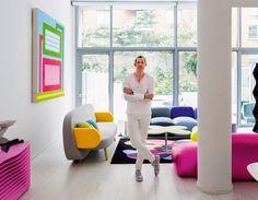 Visit | At home with Karim Rashid - Voici la maison ultra colorée de Karim Rashid, designer renommé sur la scène internationale avec à son actif plus de 3000 pièces en production et près de 300 récompenses et prix dans le monde du design. La maison de Karim est fraiche, ultra colorée [le mot clé ici vous avez deviné, c'est le rose] et tellement différente ce que l'on peut voir ces derniers temps dans l'univers de la deco...