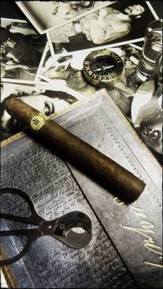 """Dégustation Trinidad """"robusto extra"""" http://cigare.skynetblogs.be/archive/2013/10/28/trinidad-robusto-extra-7969549.html"""