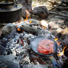 #outdoorcooking #cooking #steak #meat #bushcraft #wildcamping #nature #instalike #camp #instanature #vscogood #outdoors #adventure #hiking #forest #wood #liveauthentic #mothernature #naturelover #insta_turkey #backpacking #natureseekers #wilderness #getoutside #rei1440project #survival #wildernessculture #campvibes #neverstopexploring #menofoutdoors