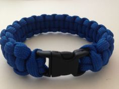 Picture of Paracord bracelet with side release buckle. Diy Jewelry, Jewelry Accessories, Jewelry Making, Jewelry Knots, Parachute Cord, Paracord Bracelets, Bracelet Making, Color Patterns, Easy