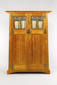 BEAUTIFUL ARTS AND CRAFTS GEORGE WALTON WARDROBE C1900