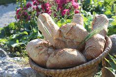 La ferme du Forest à Montbrand confectionne des pains au levain sauvage cuits au feu de bois. #produitslocaux #buech