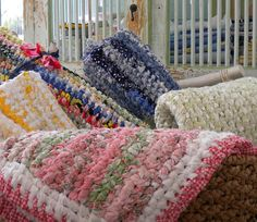 crochet rag rugs...yes, please!