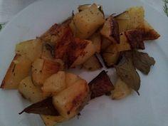 Patate con alloro e rosmarino cucinate nel fornetto estense!!!!