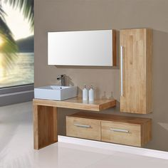 La tendance est au bois clair! Craquez pour ce superbe ensemble de salle de bain simple vasque avec meuble de rangement, armoire de toilette et large miroir pour avoir tout à portée de main.