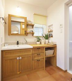 『かわいい家photo』では、かわいい家づくりの参考になる☆ナチュラル、フレンチ、カフェ風なおうちの実例写真を紹介しています。 Japanese House, Washroom, Powder Room, Double Vanity, Laundry Room, Toilet, Diy And Crafts, House Design, Interior Design