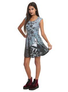Alice In Wonderland Gothic Art Dress - Hot Topic Gothic Lolita Dress, Goth Dress, Tim Burton, Hot Topic Dresses, Estilo Lolita, Gothic Outfits, Large Size Dresses, Gothic Fashion, Alice In Wonderland