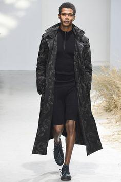 Issey Miyake Fall 2016 Menswear Fashion Show