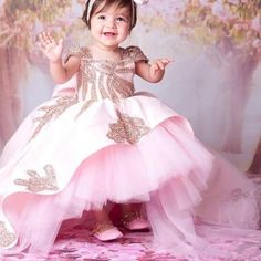 New Pink Baby Girls Clothes Birthday Dresses with Sweep Train Beaded Applique Kids Formal Wear with Bow Flower Girls Dresses Flower Girls, Grey Flower Girl Dress, Wedding Flower Girl Dresses, Flower Dresses, Tea Length Dresses, Ball Dresses, Ball Gowns, Formal Dresses, Baby Girl Birthday Dress