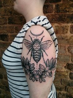 Bee, geometry & geraniums by Michele L'Abbate at Family Business Tattoo, London UK. - Imgur