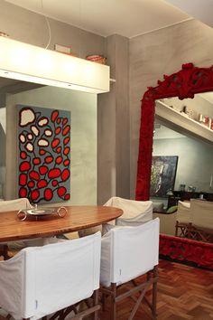 Marcenaria para otimizar. Veja: https://casadevalentina.com.br/projetos/detalhes/marcenaria-para-otimizar-530 #details #interior #design #decoracao #detalhes #decor #home #casa #design #idea #ideia #modern #moderno #aconchego #cozy #madeira #wood #casadevalentina #diningroom #saladejantar