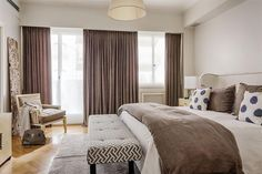 Guest Room at 5 star hotel: The Langham London Hotel. This hotel's address is: Portland Place, Regent Street Marylebone London and have 378 rooms Home Bedroom, Bedroom Decor, Bedrooms, Langham Hotel, Room London, Master Room, London Hotels, Classic Interior, Apartment Interior