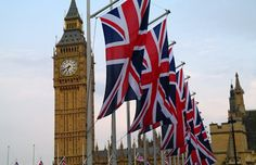 Fantastic celebration of the Queen's reign of 60 years - Diamond Jubilee. Uk Britain England, British Things, London Architecture, Things To Do In London, British Monarchy, London Bridge, London Calling, Union Jack, Best Cities