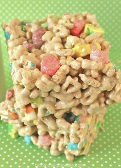 Lucky Charms Treats, perfect to take to the kids at school for St. Patrick's Day.