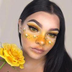 Bee Makeup, Eye Makeup Art, Fairy Makeup, Crazy Makeup, Eyeshadow Makeup, Makeup Eye Looks, Yellow Makeup, Colorful Eye Makeup, Hippie Make Up