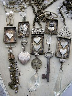 I Love The one With The Dark Key. It Would Look CutevAs A long Necklace.