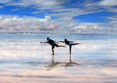 Salar de Uyuni - Bolivia (World's Largest Salt Flat)
