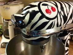 How to give your stand mixer a super awesome paint job!