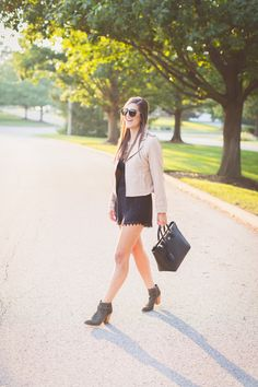 fall fashion and style, tory burch robinson tote, fall outfit ideas, suede booties, karen walker harvest sunglasses // Grace Wainwright from A Southern Drawl