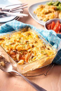 Pasta uit de oven met gerookte zalm I Want Food, Love Food, Tapas, Quinoa Salad Recipes, Cooking Recipes, Healthy Recipes, Fish Dishes, Calories, Food Preparation