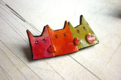 Valentine's gift Cat pin 3 cats brooch with red hearts by Chifonie