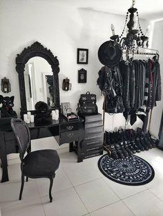 Dark Home Decor, Goth Home Decor, Gothic Room, Gothic House, Goth Bedroom, Room Decor Bedroom, Beauty Room, My New Room, Room Ideas