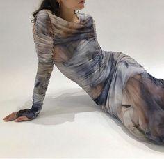Mother of Dragons Bodycon Mini Dress Fashion 2020, Runway Fashion, High Fashion, Fashion Outfits, Womens Fashion, Daily Fashion, Dress Fashion, Street Fashion, Trendy Fashion