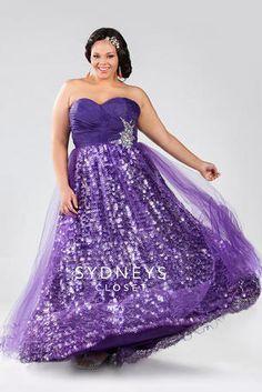 OMG it's like a sexy Disney Princess!   Plus Size Prom Dress  #plussize #prom #plussizepromdress