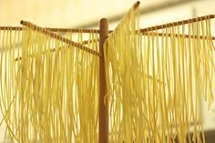 For drying and storing homemade noodles – … – Pasta Rezepte - Noodle Homemade Pasta Dough, Homemade Egg Noodles, Noodle Recipes, Pasta Recipes, Linguine Recipes, Kitchen Aid Recipes, Kitchen Aid Pasta Recipe, Kitchen Hacks, Food Storage