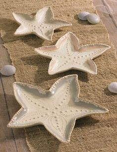$18.00 each Grasslands Road-3 Beach Ceramic Nested Starfish Serving Dishes Plates-New - These would be beautiful on a wall in the kitchen.