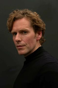 Endeavour Morse, Inspector Morse, Shaun Evans, Good Looking Actors, Detective Shows, Ross Poldark, Financial Times, Aidan Turner, How To Look Better