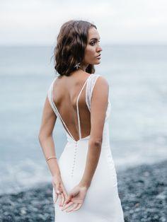 Divine Atelier, New Wedding Dresses, Wedding Stuff, Bridal Stores, Bride Look, Crepe Dress, Unique Fashion, Rime Arodaky, Fashion Forward