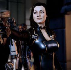 Miranda Lawson, Mass Effect series. Mass Effect Characters, Sci Fi Characters, Video Game Characters, Miranda Lawson, Mass Effect Miranda, Mass Effect Art, Mass Effect Universe, Yvonne Strahovski, Sexy Latex