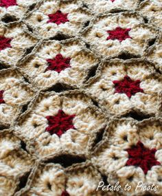 African Flower blanket, free pattern from Petals to Picots  #crochet #afghan #throw #pillow
