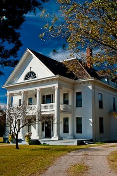 Murray-Lindsay Mansion & Pikes Peak School | TravelOK.com - Oklahoma's Official Travel & Tourism Site