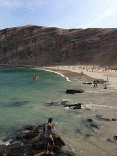 Una bonita playa en Paracas, Ica - Peru.