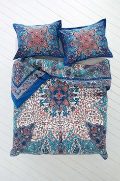 Plum & Bow Dandeli Medallion Duvet Cover - Urban Outfitters #blue #pattern #hippie #dorm