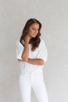 PELKO – YSTÄVÄ VAI VIHOLLINEN Health Tips, White Jeans, Coaching, Thoughts, Life, Tops, Women, Fashion, Training