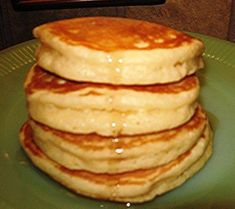 Ingredients: 3/4 cup milk 2 tablespoons white vinegar (see note) 1 cup all purpose flour 2 tablespoons white sugar (I used 3) 1 teaspoon baking powder 1/2 teaspoon baking soda 1/2 teaspoon salt 1 egg 2 tablespoons melted butter 1 teaspoon vanilla Directions: Combine the milk and