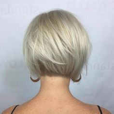 70 Cute and Easy-To-Style Short Layered Hairstyles Nape-Length Textured Platinum Bob Very Short Hair, Short Hair With Layers, Short Hair Cuts For Women, Short Hair Styles, Short Cuts, Short Stacked Hair, Bob Hairstyles For Fine Hair, Short Bob Haircuts, Layered Hairstyles