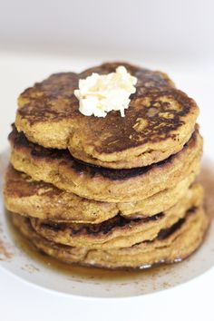 Healthy Pumpkin Pancakes (Vegan, GF, Grain Free, Paleo) MY COMMENTS- We had trouble with the consistency and staying together during cooking process. Pumpkin Pancakes, Vegan Pancakes, Fluffy Pancakes, Vegan Keto, Vegetarian Keto, Paleo Breakfast, Breakfast Recipes, Breakfast Tacos, Breakfast Pancakes