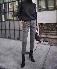 """""""Mi piace"""": 33, commenti: 1 - ITKNIT (@paolam22) su Instagram: """"Grey. Semplicità. Adoro. """""""