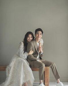 Pre Wedding Poses, Pre Wedding Shoot Ideas, Pre Wedding Photoshoot, Wedding Couples, Industrial Wedding Inspiration, Wedding Photo Inspiration, Korean Bride, Korean Wedding Photography, Wedding Images