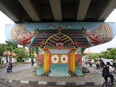 Rumah gunungan di jembatan layang Lempuyangan / gunungan house at Lempuyangan flyover, Yogyakarta, Indonesia. #streetart #graffiti #murals #Indonesia