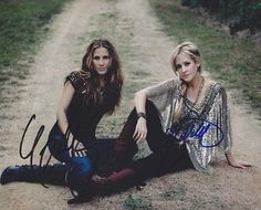 Court Yard Hounds Autographed Signed 8X10 Photo COA Dixie Chicks